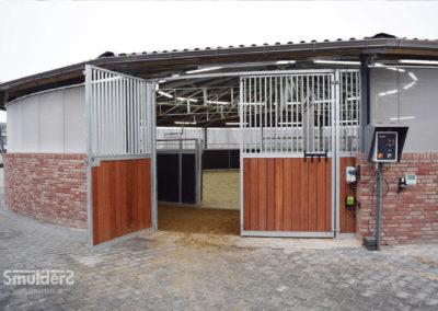 f020_horse-walkers_roofings_SMULDERS_PL